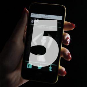 GIFGIF™ is 's werelds meest geavanceerde GIF-booth die wordt ingezet voor o.a. brand activaties en consumenten promoties. U kunt als gebruiker uw persoonlijke GIF-animatie binnen enkele seconden delen op social media kanalen als Facebook, Instagram of Twitter. De design van de GIFGIF is volledig aan te passen naar de uitstraling van uw merk of evenement. Wij houden voor u netjes bij hoeveel shares er per social media platform wordt gedeeld. Zo krijgt u van ons standaard na het event een Social Report toegestuurd met de behaalde resultaten. GIFGIF is 's werelds meest geavanceerde GIF-booth die wordt ingezet als vervanging voor de traditionele photobooth. Veel voorkomende live activaties waarbij de gifbooth wordt ingezet zijn: Intern bedrijfsfeest voor personeel, Officiele winkelopeningen en lanceringen, Recepties voor externe doelgroepen, Bedrijfspresentaties en beurzen, merk activaties en consumenten promoties, Periodieke zakenborrels, culturele en sportieve manifestaties, Persevenementen door PR bureau's, Bruiloften en verjaardagfeesten, Club nachten, overige nachtprogrammering en concerten. www.gifboothhuren.nl gifboothhuren.nl